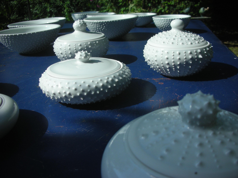 Anna Lüdi Keramik Dosen mit Spitzen