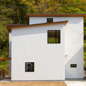 nishirai-house-facade.jpg