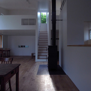 sato-house-fireplace.jpg