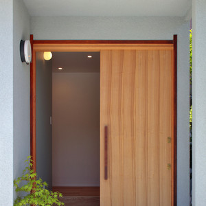 mikami-house-entrance.jpg