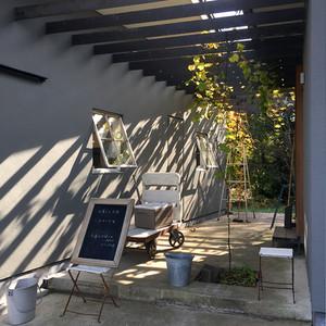 sato-house-outsideliving03.jpg