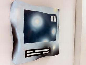 AMSTERDAM ART FAIR:  Vernieuwende, hedendaagse kunst van hoog niveau in de voormalige Citroën-garage