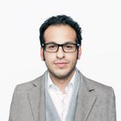 Uomo d'affari con gli occhiali