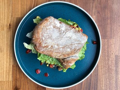 Сэндвич с овощной сальсой