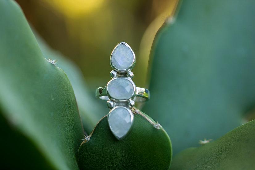 Rosecut Moonstone Ring