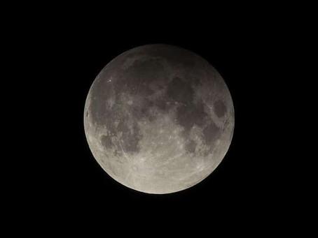 Eclipse Lunar Penumbral acontece na madruga de Domingo (29) para Segunda (30)
