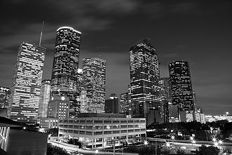 houston-by-night-in-black-and-white-oliv
