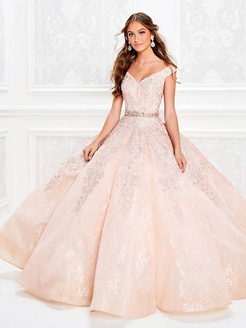 Princesa by Ariana Vara