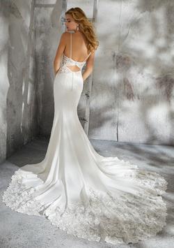 Lizzie Wedding Dress 8283