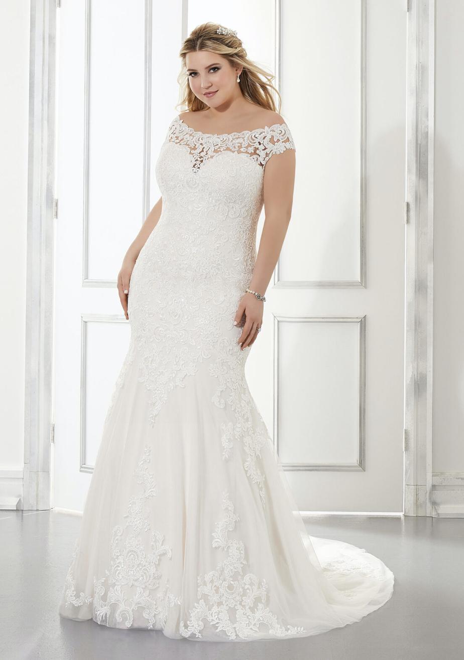Aretha Wedding Dress 3303