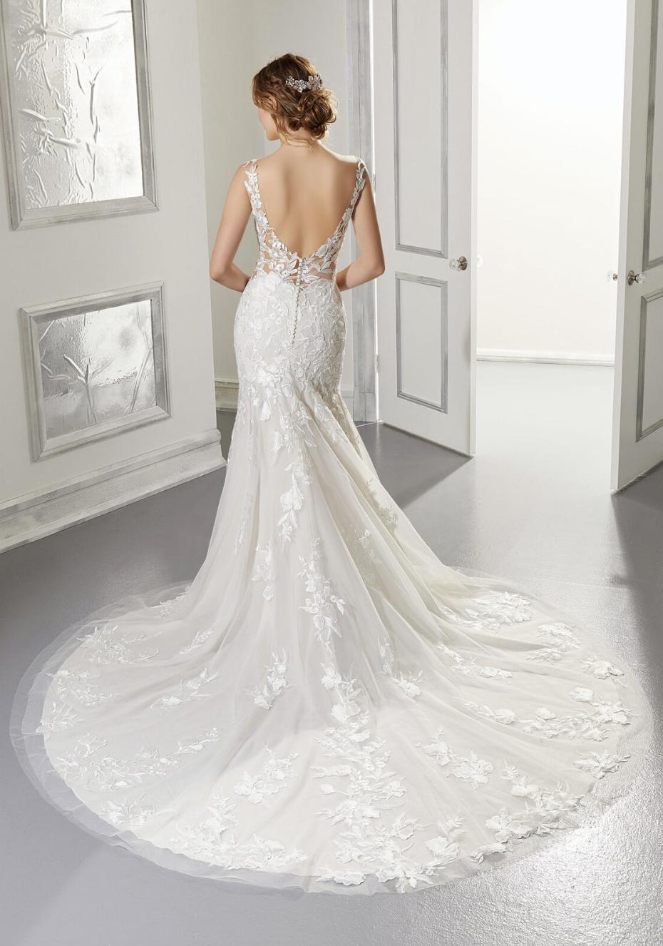 Andrea Wedding Dress 5876
