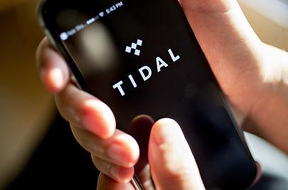 tidal-iphone-2017-billboard-1548.jpg