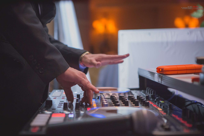 Bilingual DJ | NJ wedding DJ - TWK Events
