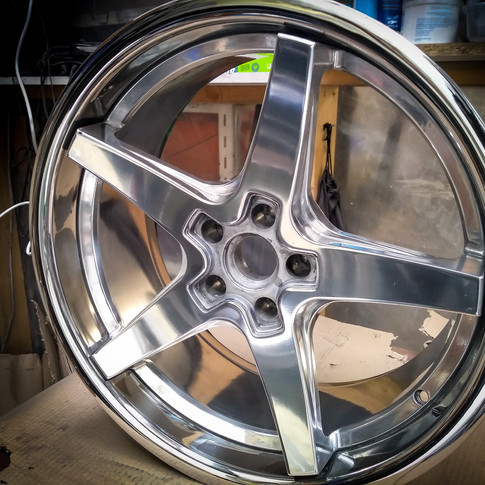 Dodge SRT Challenger alloys polished from painted.