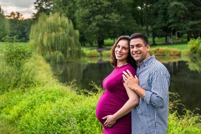 Maternity Burke Lake Virginia.jpg