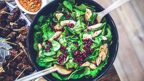 Salade d'épinards, poulet et grenade