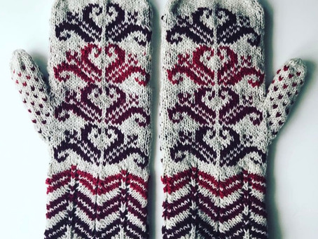 """Selbu """"style"""" Mitten KAL - This week's Check-in, Midtsommer and THUMBS!"""
