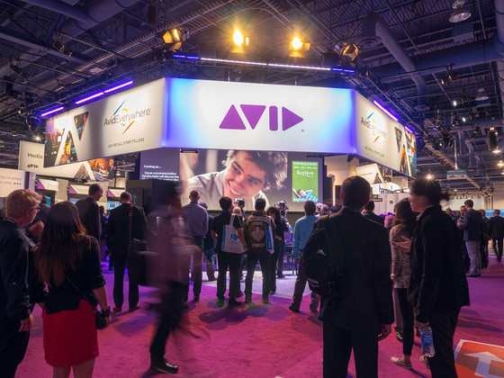 Blend Digital And Physical For Better Trade Show Attendance