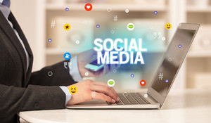 Five Tips To Maintain Your Social Media Presence When You Are Busy