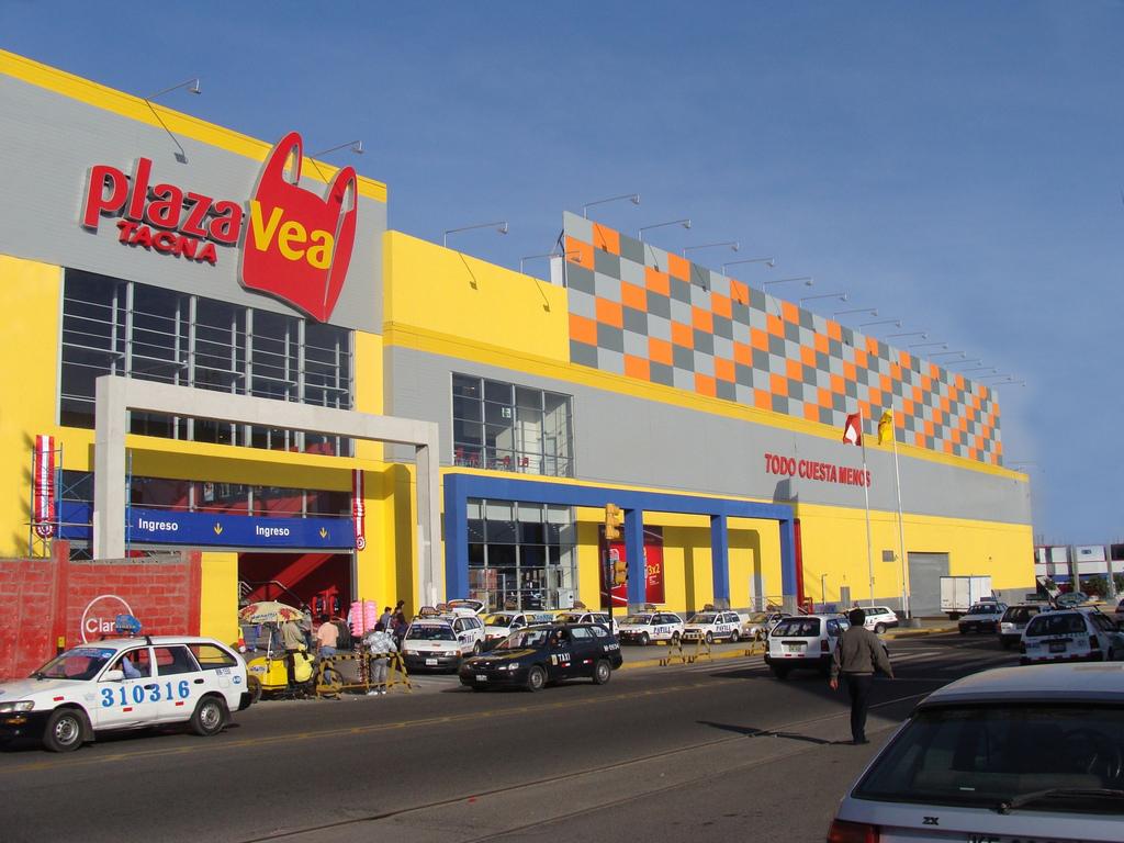 Plaza Vea Tacna
