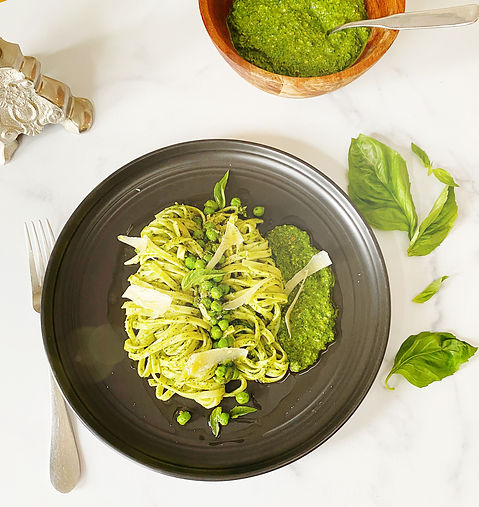 spinach pesto and peas pasta by Thyme an