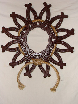 Horseshoe_Wreath[1]