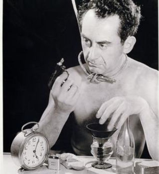 man-ray.jpg!Portrait.jpg