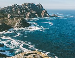 beach-cliff-coast-daylight-584928.jpg