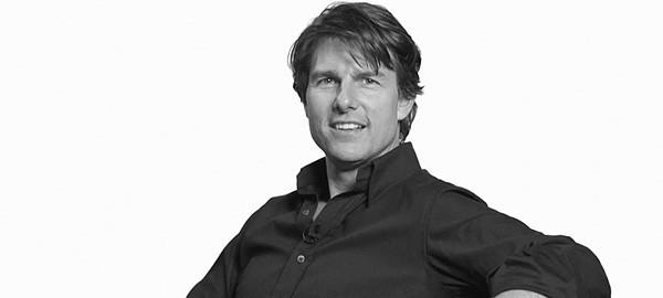 Qui fait la voix de Tom Cruise ?