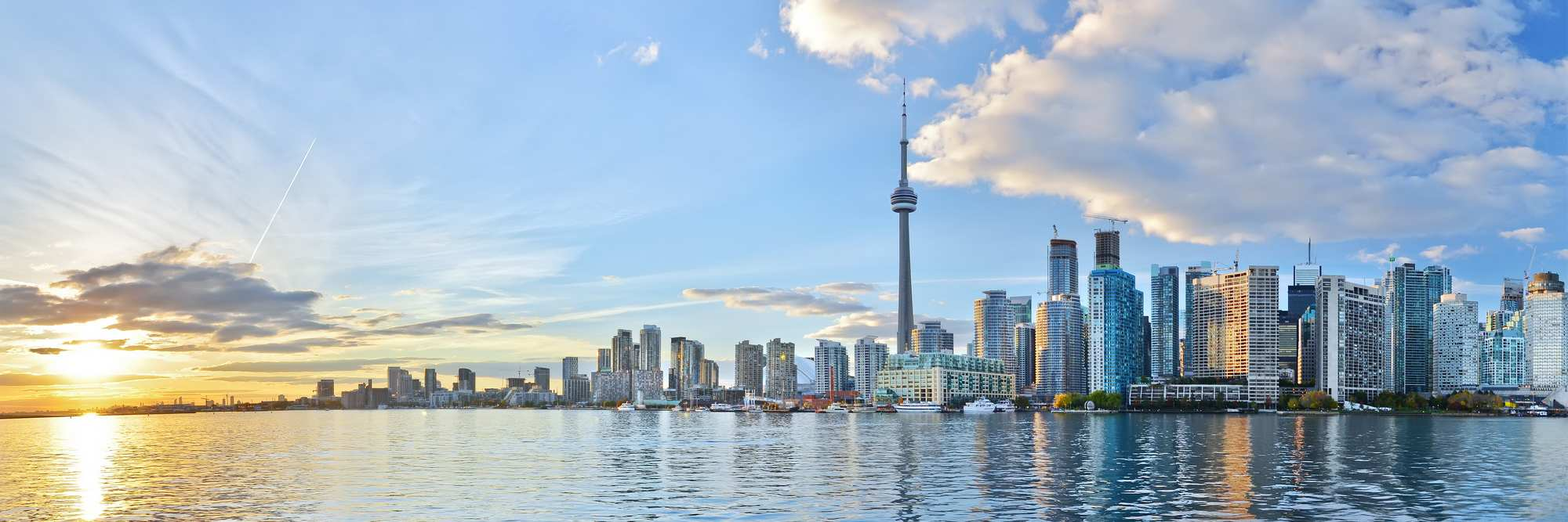 Panorama-of-Toronto-skyline