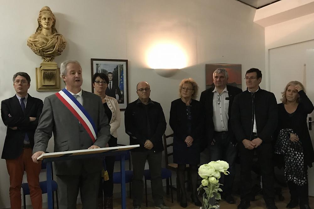 C'est entouré des maires des communes alentour que Michel Durieux a dévoilé les projets de la commune pour 2019