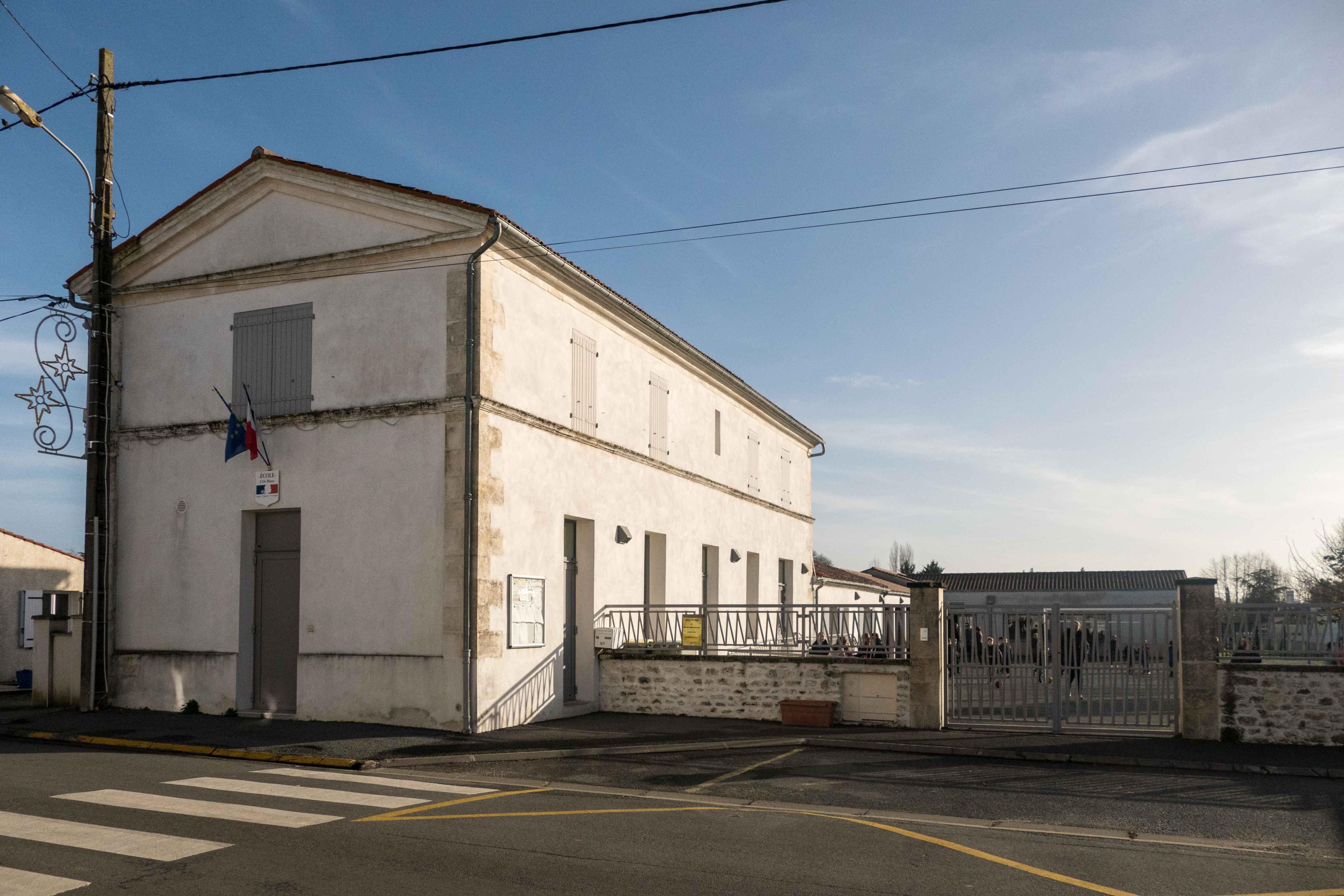 école Saint-Jean-d'Angle