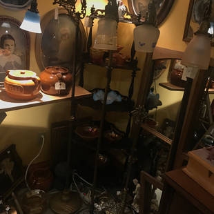 Plusieurs  lampes à cou ou liseuses