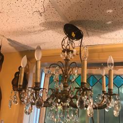 Vieux  Chandelier de 22 pouces de  diamètre