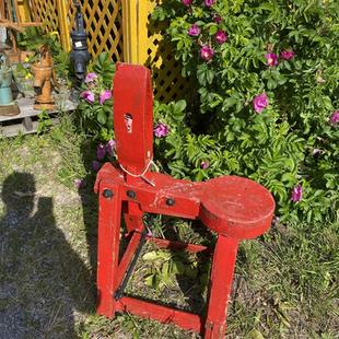 Banc de sellier belle couleur rouge