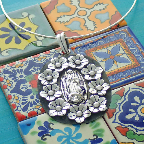 Guadalupe pendant with chain