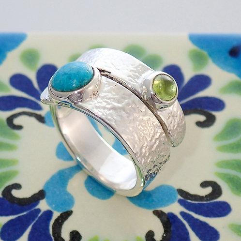 Stone twist ring