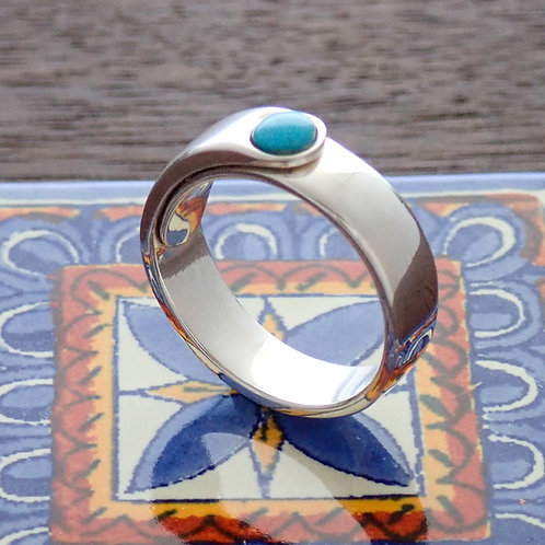 Cocktail stone ring