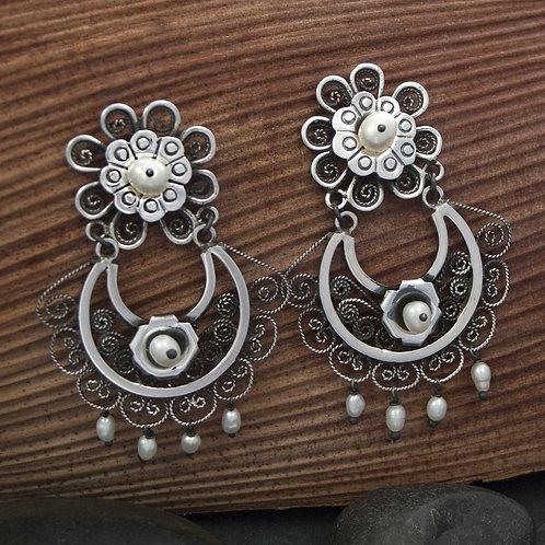 Floral Pearl & Filigre Earrings