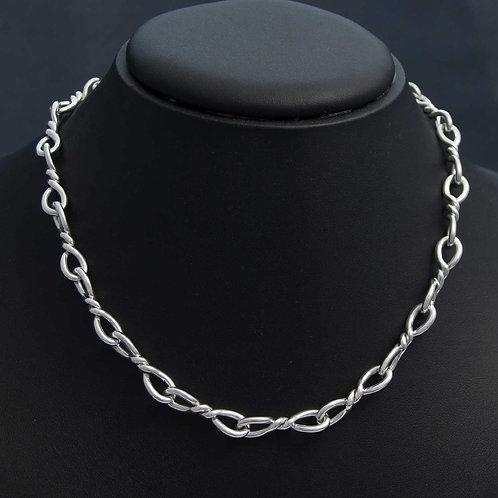 Twist Link Necklace