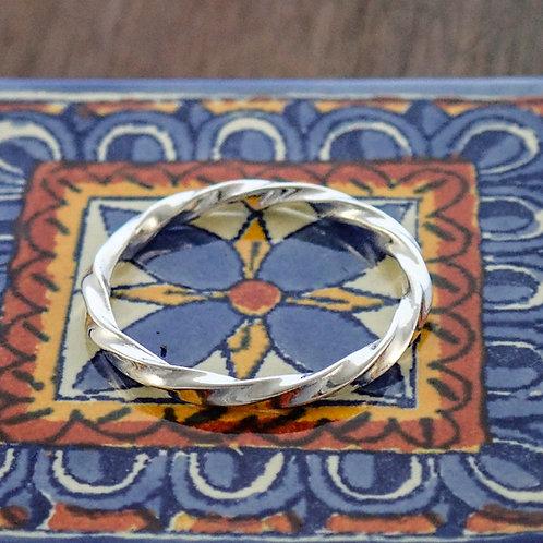 Endless Twist Ring