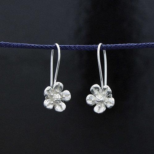Petit Daisy Earrings