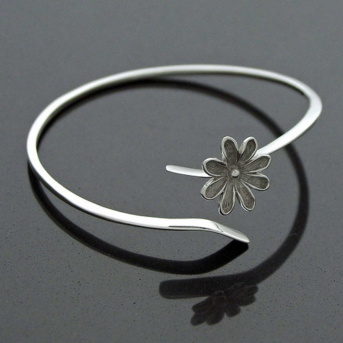 Daisy Twist Bangle
