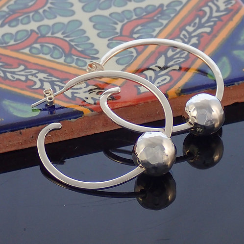 Hammered ball hoops