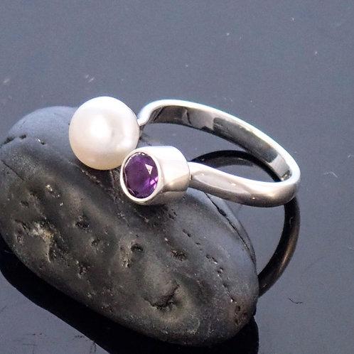 Amethyst Pearl Ring