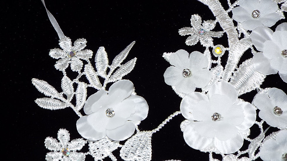 White Lace 3D Flowers & Lace Necklace with Cubic Zirconia Rhinestones