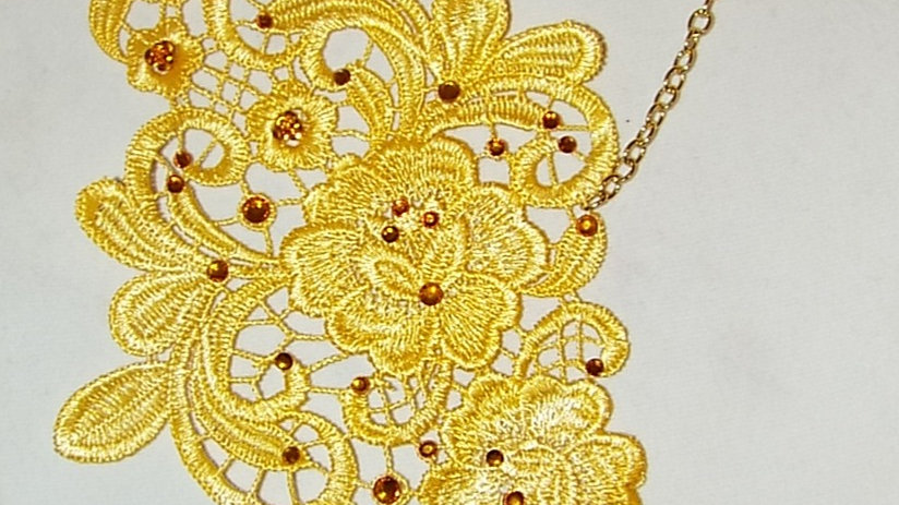 Asymmetrical Dyed Yellow Lace Necklace With Citron Rhinestones