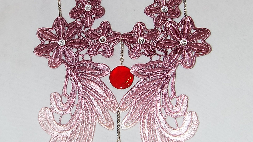 Red-Pink-White Ombre Lace Necklace With Red Stones