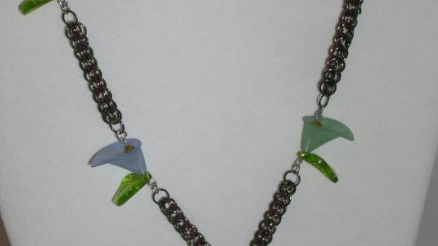 Flower Chainmail B+Necklace with Clear Glass Pendant