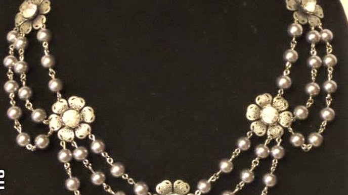 Silver Pearl Bead & Flower Necklace
